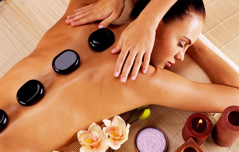 Massaggi corpo presso Sphaera Palestra piscina e Spa